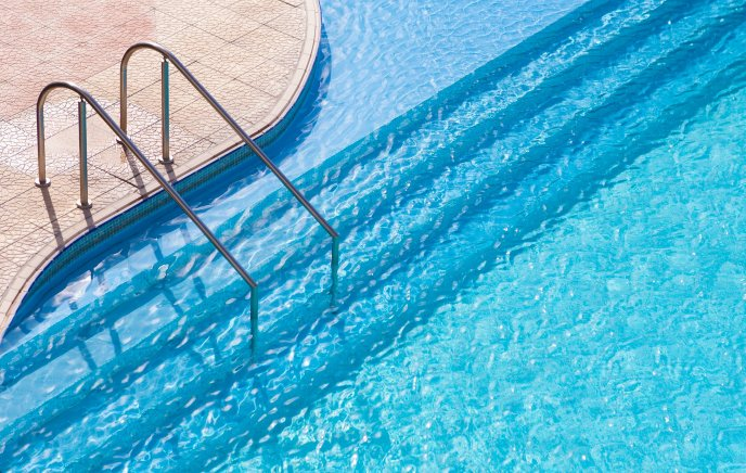Download Wallpaper Blue and cold water in the pool - Summer holiday