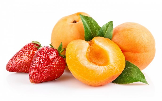 Strawberries and peaches - Delicious summer fruits