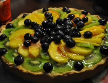 Kiwi, peach and blueberry tart