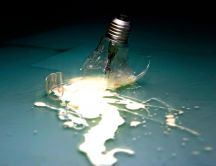 Broken bulb HD wallpaper