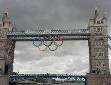 Olympic games London 2012 - Olympic circles, London bridge