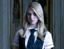 Taylor Momsen - wearing a school uniform
