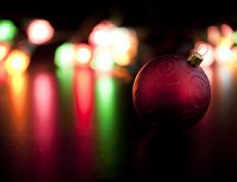 A purple globe of Christmas close up HD wallpaper