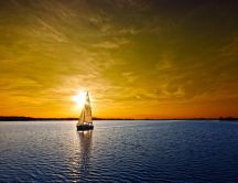 A sail boat on the lake at sunset - HD wallpaper