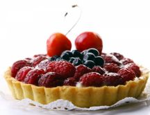 Summer cake - tart with berries