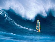Big waves - dangereous summer sport
