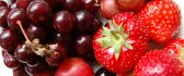 Fresh red fruits from the garden - macro HD wallpaper