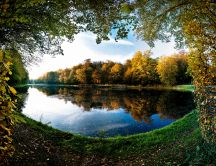 New season - autumn on the lake HD nature landscape