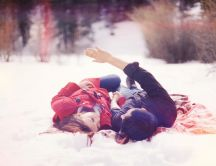 Two lovers is the snow - romantic winter