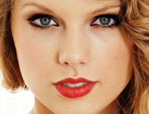 Beautiful blonde actress Taylor Swift - HD wallpaper