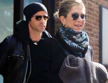 Justin Theroux and Jennifer Aniston with sunglasses