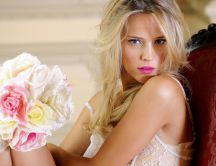 The model Luisana Loreley Lopilato with a bouquet