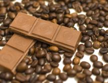 Chocolate with milk and coffee beans - HD wallpaper