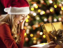 Happiness when open a Christmas present - HD wallpaper