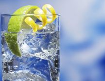 Drink water with lemon every day - Refresh summer hot day